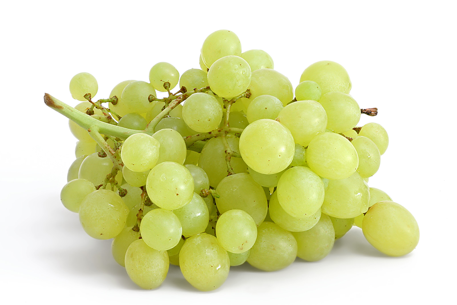 10 Beneficios y propiedades de la uva blanca que te