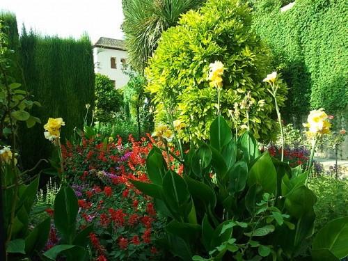 640px-Jardines_del_Generalife